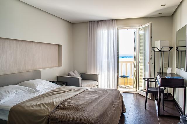 ložnice s balkonem.jpg