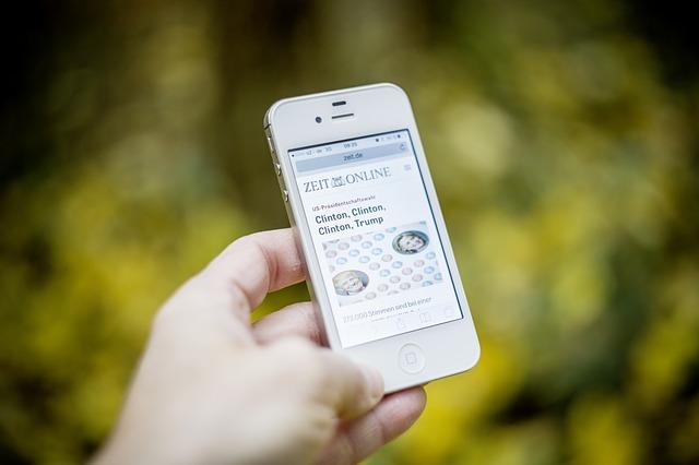 zprávy v mobilu