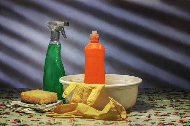 čisticí prostředky pro úklid