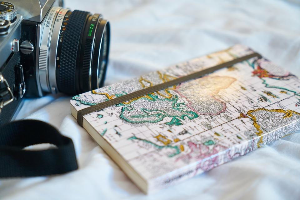 zápisník s foťákem
